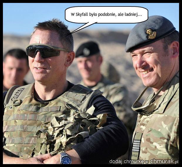 Bond w wojsku.