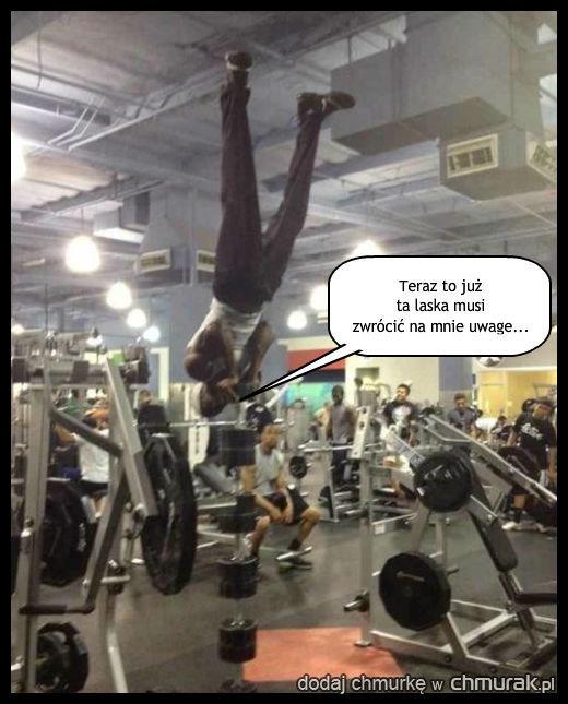 Podryw na siłowni.